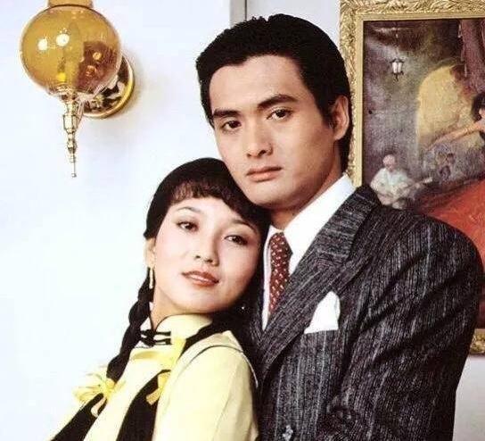 ��_《上海滩》许文强冯程程38年后首次同框, 如今两人早已经满鬓斑白