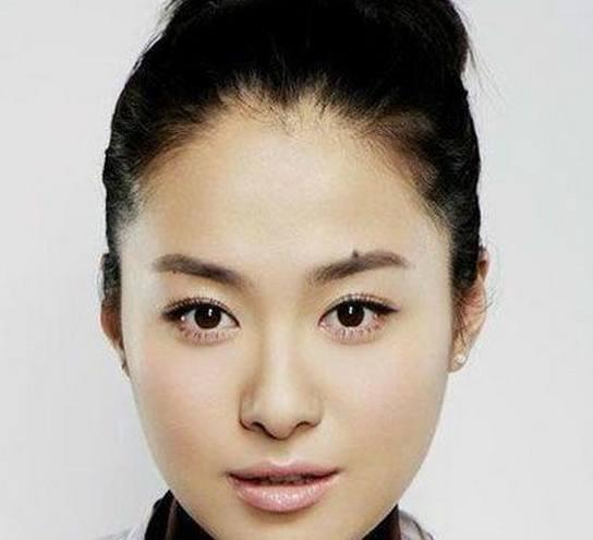 痣的明星_娱乐圈里脸上有痣的明星,最后一位眉心有痣,美得让你服气!
