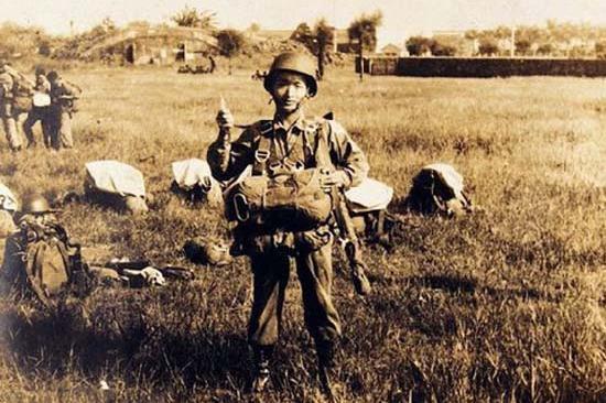 老照片记录下50年代台湾特种兵的军事训练与日常生活