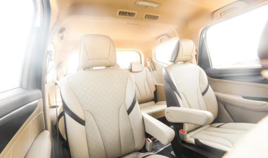 宽敞舒适的驾乘享受,全新宝骏730开启品质生活