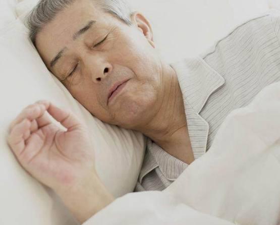 """睡前的4大""""短命""""习惯,别让它们偷走你的寿命!"""
