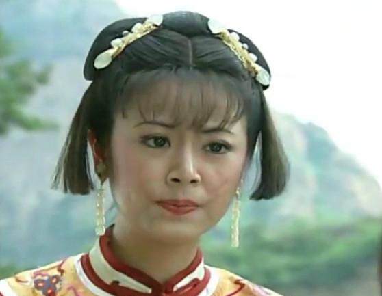 《还珠格格》中那些好看的发型:紫薇大小姐气质十足,皇后温婉图片