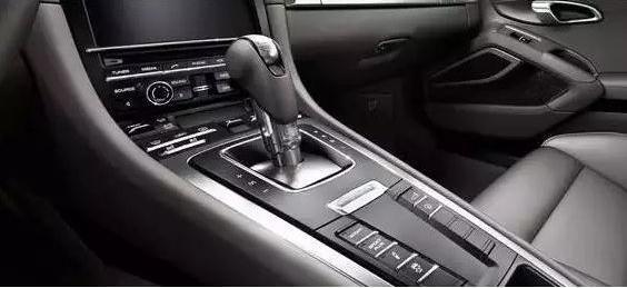 驾驶证C1和C2考哪个好?老司机告诉你,千万别考自动挡!
