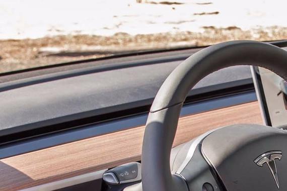 特斯拉 Model 3 车主吐槽<em>内饰</em>偷工减料:Alcantara 变<em>织物</em>
