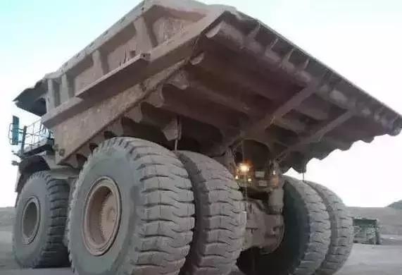 世上最霸道的车:一个轮胎换一辆宝马