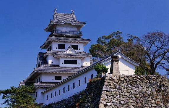 日本国名来源于唐朝, 明仁天皇年号取自中国尚