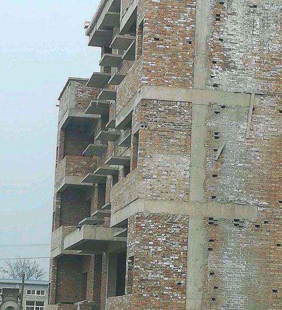 砖混结构中,构造柱和圈梁的连接构造要求,和构造柱的纵筋的算法?