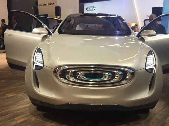 国产纯电动SUV来了:充电1小时能跑半个省,还买啥特斯拉?