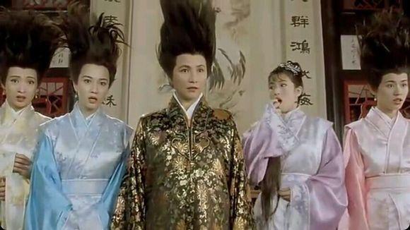 唐伯虎点秋香三级全集_周星驰电影《唐伯虎点秋香》里,演技最有争议的是她?