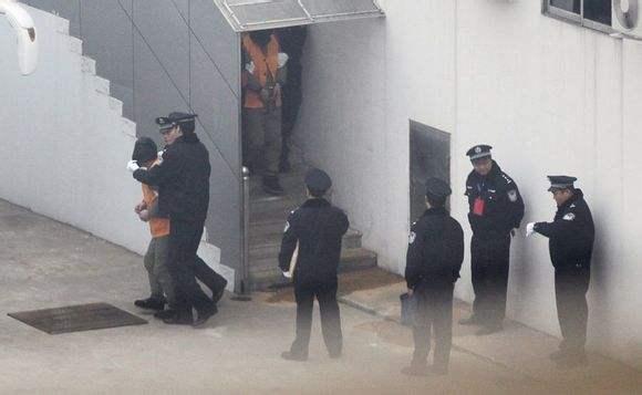 聂磊与公安机关挂上钩后,在青岛市越来越张狂.