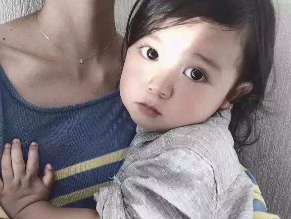 这个萌翻ins的日本小男孩可爱起来,真的没女孩子什么