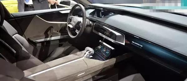 奥迪再推新款奥迪A9,造型犀利,内饰豪华,5秒破百卖70万!