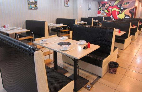 火锅桌椅应如何选择 火锅桌的分类有哪些