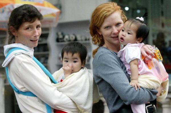 外国人为什么喜欢领养中国孩子 第一个原因, 看了就很难过