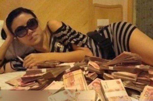 在日本属于烂大街的东西,却几万一斤卖给中国人,这脸真的丢大了
