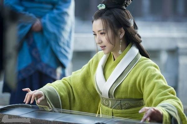 古装剧中十位弹琴美女明星,杨幂唐嫣刘亦菲在榜,第一是神仙眷侣
