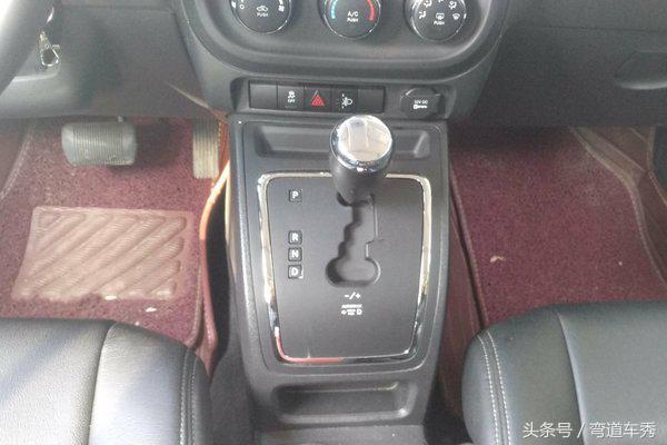 Jeep-自由客 2014款 2.0L 运动增强版,运动能力十足,男人的选择