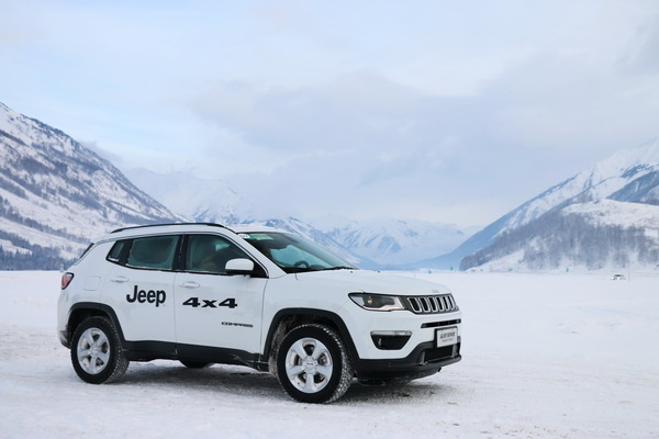 Jeep 4X4喀纳斯冰雪试驾:四驱的意义,是带着家人去远方