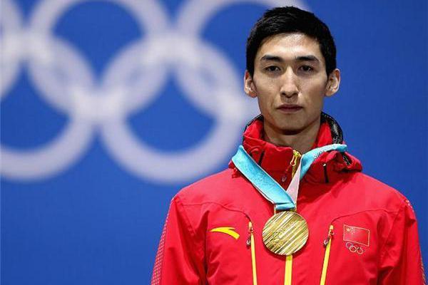 武大靖那块金牌有问题!中国好不容易夺首金,领奖时却被韩国坑了