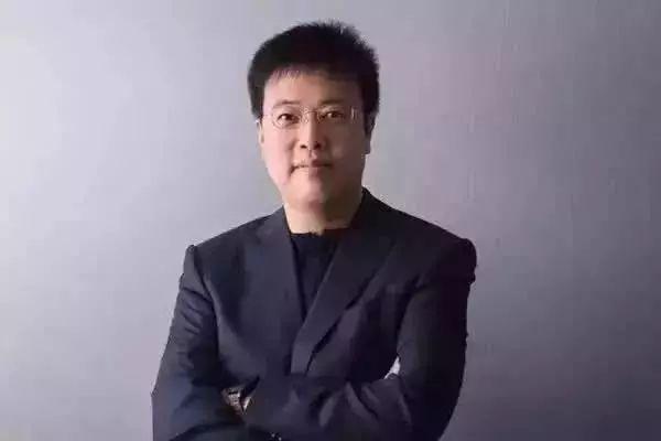 恰好这时候,陈大年的父亲来看他,问了他五个问题: