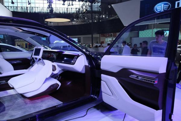 红旗这款新车,造型霸气,内饰抢眼,如果定价25万肯定大卖!