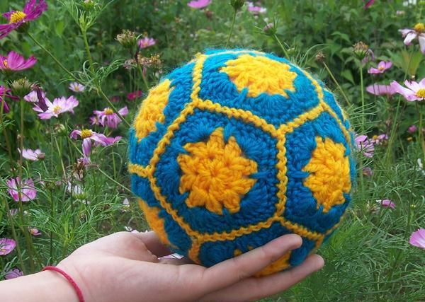 手工编织教程:非洲菊拼接的钩织 在家里跟孩子一起互动踢足球!