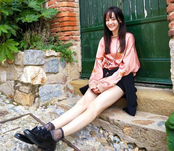 美腿明星穿丝袜对比, 赵丽颖最萌, 迪丽热巴最美, 杨幂最性感