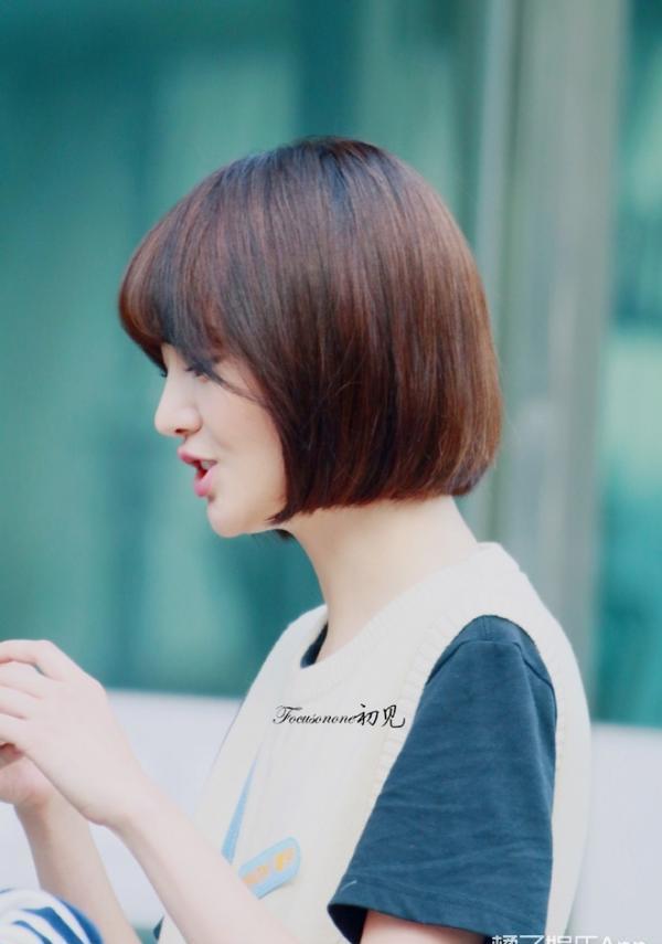 《夏至未至》最新剧透照,短发圆脸的郑爽妹子其实才18