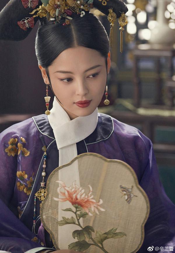 凭啥她是性感之后中国最舒淇女演员?辛芷蕾高性感美女勾引图片