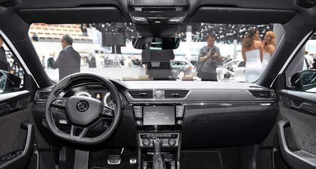 斯柯达全新旅行车,比奥迪A4更出众,纯进口或售30万