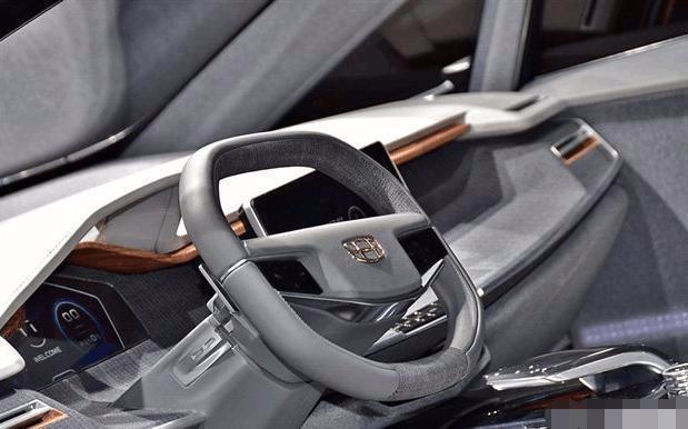 为什么这款丰田MPV,可要比那些小SUV强上太多了
