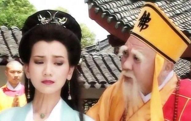 珍娘乳房_白素贞原叫白珍娘,被压在雷峰塔是作茧自缚:在真武大帝面前.
