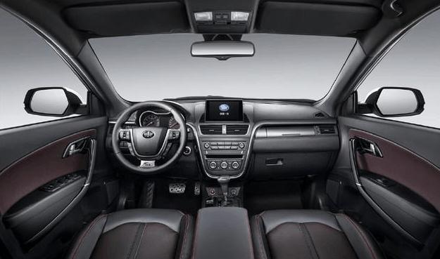 全新奔腾X80配备了全景影像、ESP车身稳定系统、前后泊车雷达、一键启动、支持CarPlay和CarLife手机互联功能的8英寸娱乐信息屏、胎压监测、六安全气囊等配置。全新奔腾X80依然采用了1.8T和2.0L发动机,1.8T发动机最大功率186马力,峰值扭矩235牛米,2.0L发动机最大功率147马力,峰值扭矩184牛米。与1.