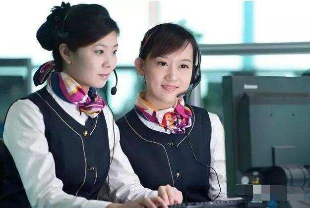 中国移动客服平均每天接165个电话,那她们一个