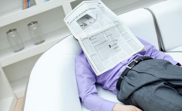 40岁大叔被自己老婆送进医院,大喊:再不治,十颗肾也救不你