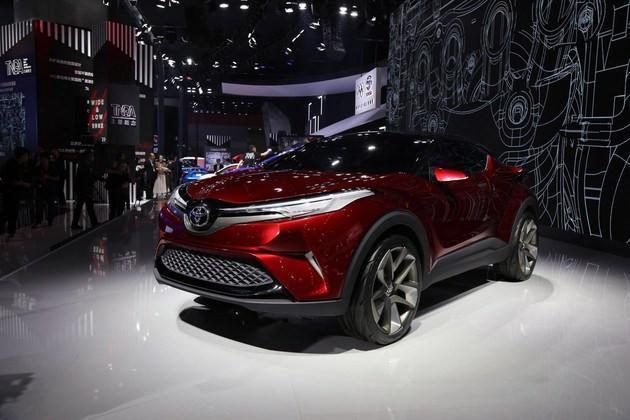 丰田爆款新SUV现身, 霸气侧露, 颜值高, 突破穷人的想象力!