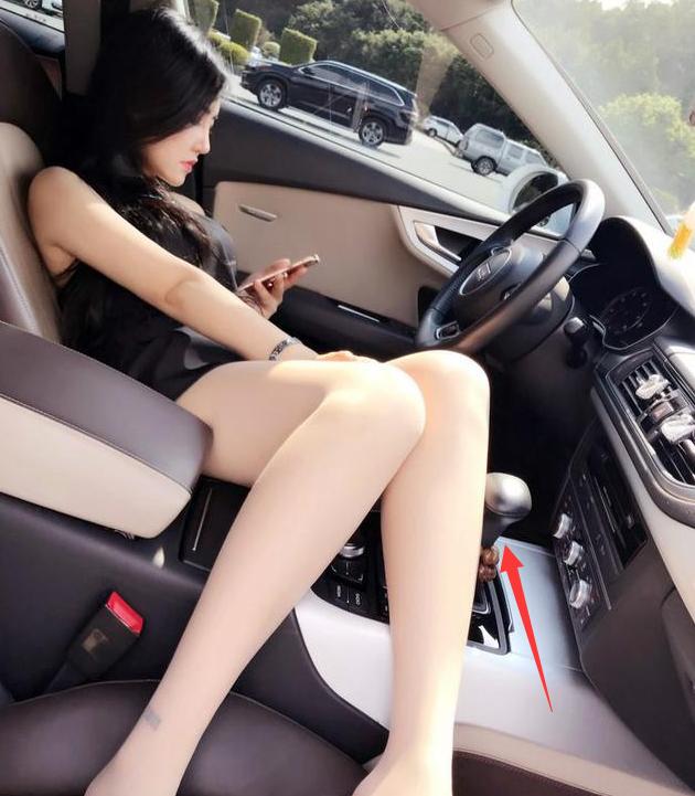 入手低配版奥迪A7,动力要求不高,副驾驶经常换人