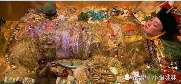 他花了六百元买了块水晶石,竟卖了四千万!他却只落了三十万