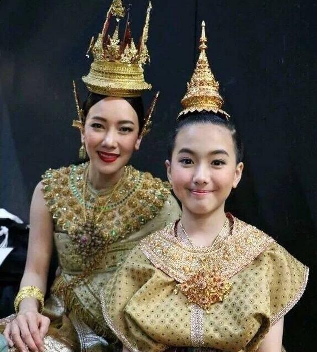 泰国第一美女noon主演的电视剧大盘点,介绍noon姐和ken哥二搭电视剧过界分集剧情期待1图片