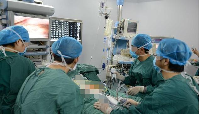 身体3大症状,让胃癌一步步形成,出现最后1个放化疗也无能为力