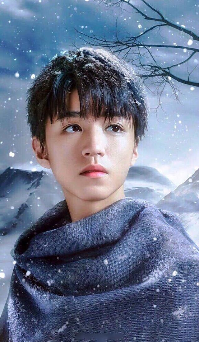 娱乐圈男神冬日雪天照,易烊千玺儒雅,林更新自黑已被粉丝玩坏