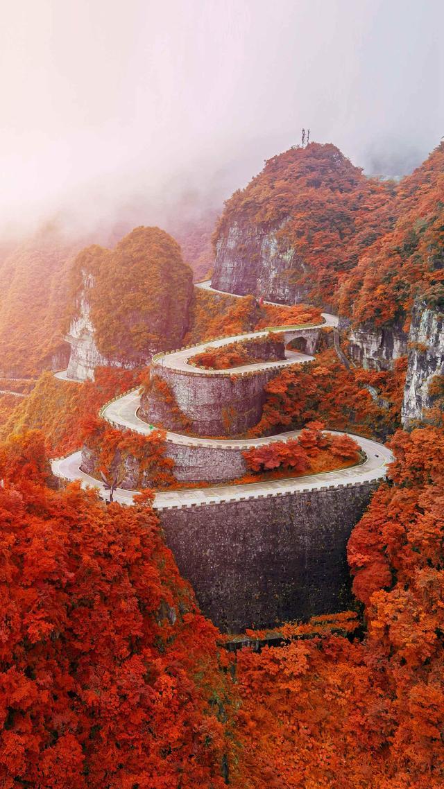 天门山的通天大道,99%的人都知道它,却只有1%的人真正了解它!