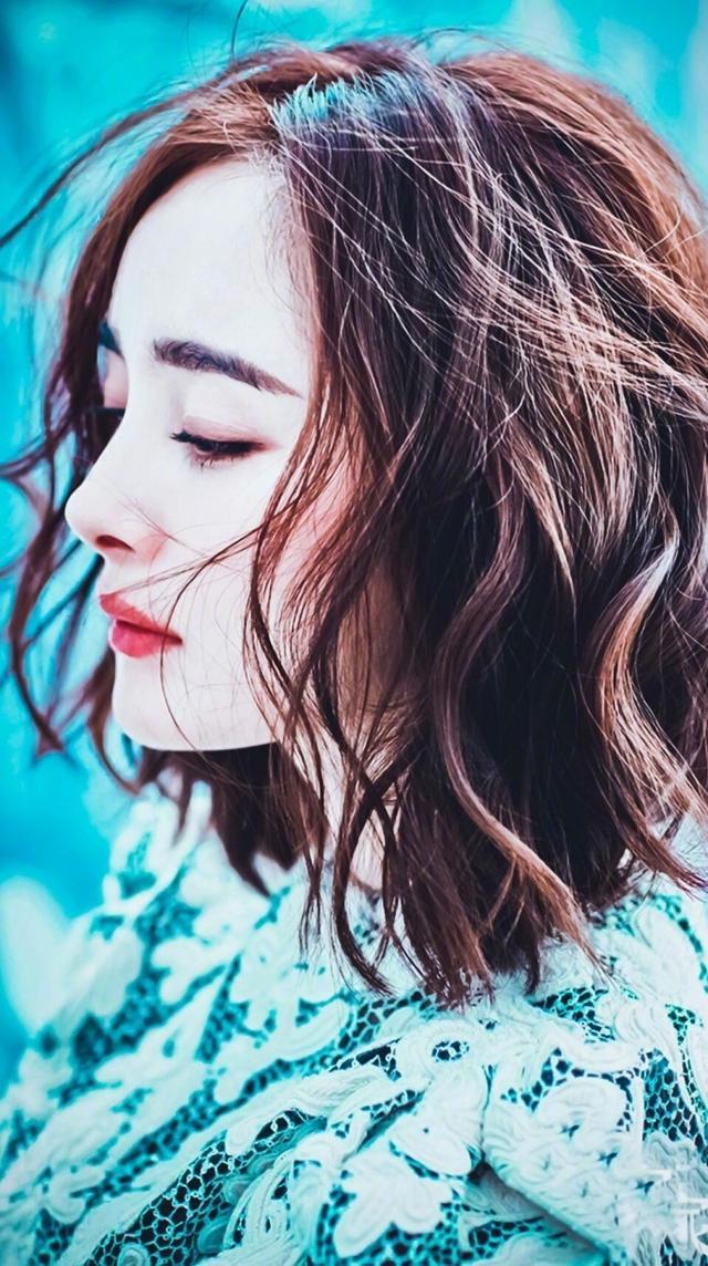 2018年的发型最新短发,杨幂、a发型、赵丽颖都玫丽盼菲林烫发v发型图片