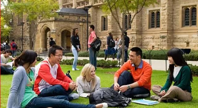 澳洲大学国际留学生的比例,中国留学生都扎堆儿在这些名校!