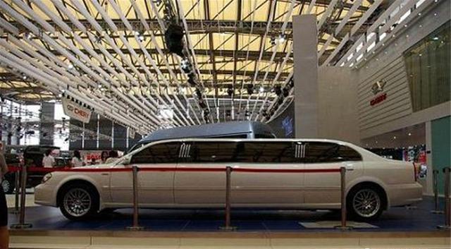 没能量产的国产加长礼宾车,车长7.5米内部如凡尔赛宫殿般奢华!