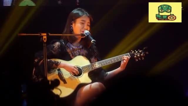 IU妹纸现场版翻唱《挥着翅膀的女孩》,好甜美的声音,听着超治愈  