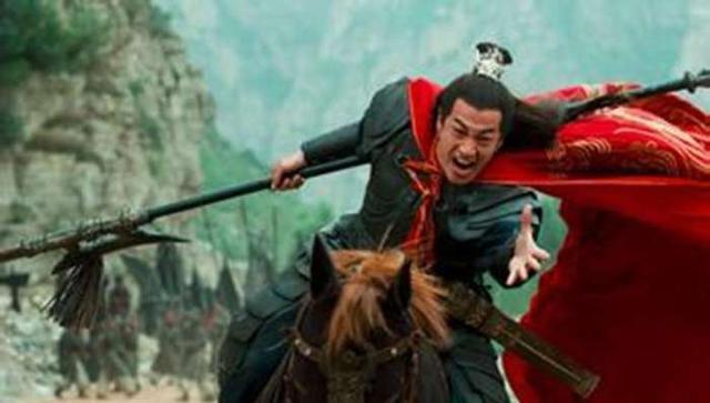 项羽是个怎样的人_比吕布和项羽还勇猛的人,连力能扛鼎的秦武王也不是他