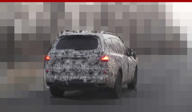 宝马全新大型SUV-X7国内 即将亮相!