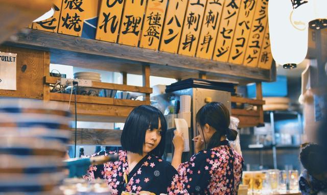 外国人问日本人如何看待赴日的中国游客?日网民:他们挥舞着钱!