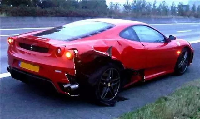 轮胎中的小石子要不要抠掉呢,听听老司机怎么说!